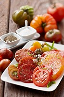 Plate of heirloom tomatoes (thumbnail)