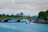 Pont de la Concorde. Paris