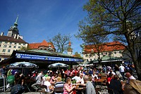 Beer garden at the Viktualienmarkt markets, Munich, Bavaria, Germany, Europe