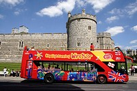 Sightseeing tourist bus at Windsor Castle