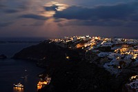 Europe, Greece, Thira, Cyclades, Santorini, View of oia at full moon