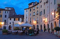 Lucca, Anfiteatro square at Dusk, Piazza Anfiteatro, Tuscany, Italy.