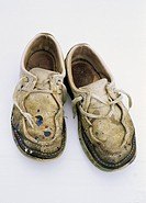 Worn_out shoes