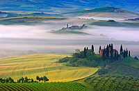 Val d´Orcia  Orcia Valley  Morning fog  The Belvedere at dawn  UNESCO World Heritage Site  San Quirico d´Orcia  Siena Province  Tuscany  Tuscany lands...