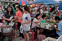 RESTAURANT SERVING TRADITIONAL CUISINE, EVENING MARKET, BANG SAPHAN, THAILAND, ASIA