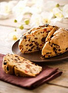 Pandolce genovese Sweet bread with raisins, candied fruit & pine nuts