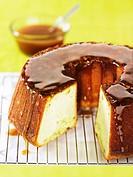 Pistachio cake with honey, sliced