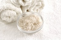 Close_up of Epsom salts with towels