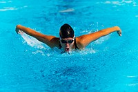 A symetrical swimmer doing the Butterfly