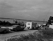USA, North Carolina, Swansboro, waiting for ferry to mainland from outerbanks