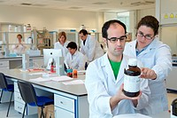 Preparing solution samples for column chromatography, synthesis lab, research laboratory, IkerChem research lab, design and synthesis of new chemical ...