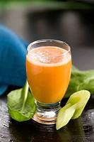 Celery and carrot smoothie