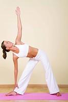 Yoga _ Utthita Trikonasana