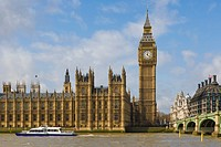 Westminster Bridge and the Big Ben, the Clock Tower of the Palace of Westminster, Houses of Parliament, City of Westminster, from Lambeth, London, Eng...