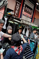 Seoul (South Korea): women fighting for a stall space at the Namdaemun Market