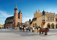 Cracow - St Mary´s Church, Market Square, Poland, Europe