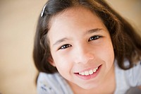 Portrait of smiling girl 10_11
