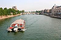 Tourboat on the Seine