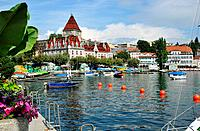 Ouchy harbour at Lake Geneva, Castle of Ouchy in background, Lausanne, Canton of Vaud, Switzerland