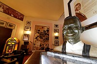 Hotel National Vedado, famous Bar, Nat King Cole Statue, Cuba, Greater Antilles, Antilles, Carribean, West Indies, Central America, North America, Ame...