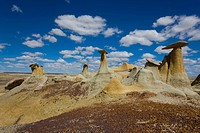 Hoodoos at the badlands, USA, New Mexico, Ah_shi_sle_pah
