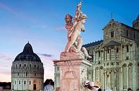 Italy, Tuscany, Pisa, Piazza dei Miracoli, Baptistry at Dusk