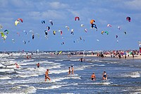 Kitesurfing, Kitesurf World Cup, St Peter Ording, Eiderstedt, North Frisia, Schleswig_Holstein, Germany / Sankt Peter_Ording, kiteboarding