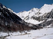 Snow_Covered Mountain Valley