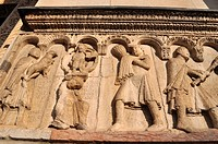 Modena (Italy): bas-relief on the Cathedral&#8217;s fa&#231;ade
