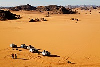 Four wheel drive safari in the Akakus Mountains, Libya