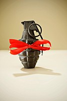 Hand grenade with ribbon