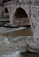 Blick vom Trastevere_Ufer zur Tiberinsel, Detail bei Hochwasser