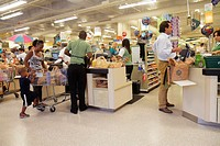 Florida, Miami Beach, Publix, grocery store, supermaket, food, shopping, cashiers, baggers, check-out, paying, spending, Black, man, job, woman,