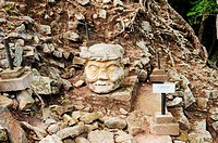 Picture of old man head in Copan ruinas