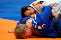 20-11-2011 JUDO : GRAND PRIX: AMSTERDAM Mens -90kg Glenn Bolleboom ned - blue is beaten by David Alarza ESP
