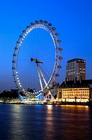 london eye at night shot from westminster bridge london england uk
