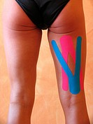 The utilization of the Kinesio_Taping Therapie is based on the principles of the Kinesiologie _ it supports the body_own healing process _ better circ...
