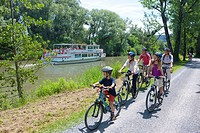 Ship, boat, ships, boats, passenger boat, old Rhine, Rhine, Rheineck, river, flow, canton, St. Gallen, St. Gall, Bicycle, bicycles, bike, riding a bic...