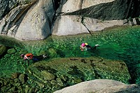 CANYONING, BAVELLA MOUNTAINS, SOUTHERN CORSICA 2A, CORSICA, FRANCE