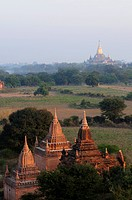 Sunrise above the temples and pagodas of the old ruined city, Bagan, Myanmar, Asia