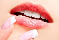 lips_zone make_up