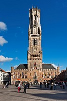 Market Square with the Belfry built from 1282 to 1482 The tower is 88 meters high The carillon consists of 47 bells, Bruges, Belgium, Europe