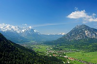Valley of Garmisch_Partenkirchen with Alpspitze, Zugspitze and Kramerspitze in the background, Farchant, Garmisch_Partenkirchen, Wetterstein range, We...