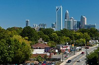 Skyline of Charlotte, North Carolina´s largest city and the second largest banking and financial centre in the USA, Charlotte, North Carolina, USA, No...