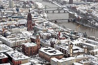 Snowscape in winter, cathedral and Paulskirche church in the historic city centre, Frankfurt am Main, Hesse, Germany