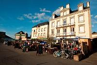 France, Morbihan, Etel, restaurants in Cours des Quais