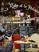 France, Paris, feature: 25 Parisian bistrots, general round of drinks, La Robe et le Palais Bistrot, 13 Rue des Lavandieres Sainte_Opportune, picture ...