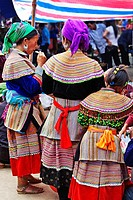 Bac Ha Sunday market, Flower Hmong people, Bac Ha, Vietnam, Sapa