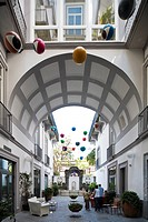 Italy, Campania, Naples, Piazza Bellini Hotel, opened in 2007 in a 16th century palace, the courtyard