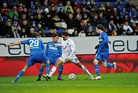 Duel of one against three, from left, Jannik Vestergaard, TSG 1899 Hoffenheim, Roberto Firmino, TSG 1899 Hoffenheim, Mohammed Abdellaoue, Hannover 96,...